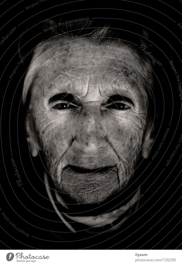 old woman Frau alt Gesicht Auge Großmutter Falte Porträt