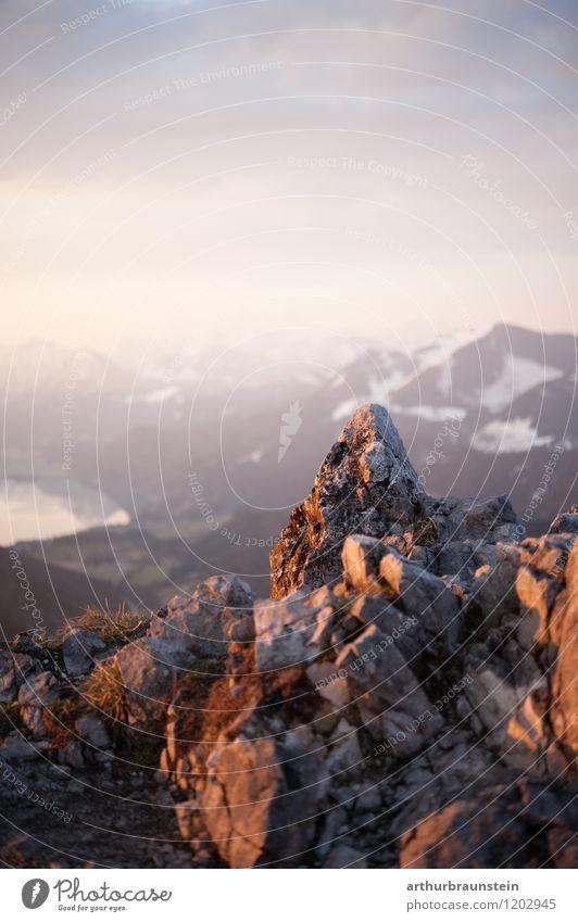 Zum Sonnenaufgang am Berg Gesundheit sportlich Freizeit & Hobby Ferien & Urlaub & Reisen Tourismus Ausflug Abenteuer Freiheit Sommer Berge u. Gebirge Klettern