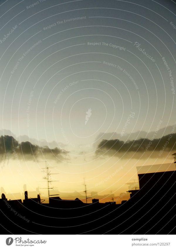 doppelverglasung Sonnenuntergang Dämmerung Antenne Reflexion & Spiegelung Fenster Wolken dunkel Nacht Stadt Elektrizität Haus Dach Medien Himmel Abenddämmerung