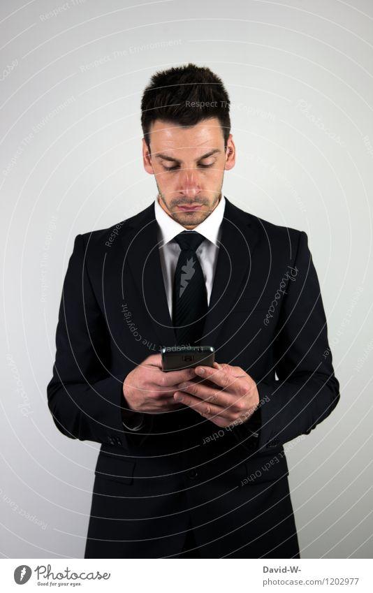 Businessman Handy Mensch Mann Erwachsene Leben sprechen Lifestyle Arbeit & Erwerbstätigkeit Business maskulin Erfolg Technik & Technologie Telekommunikation berühren Handy Sitzung Anzug