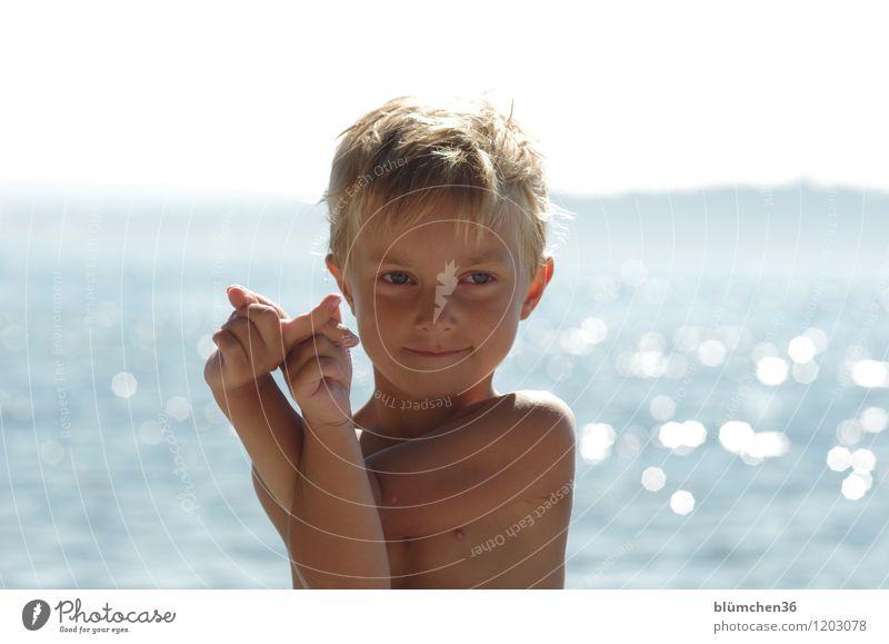 Sommer, Sonne, See... Mensch maskulin Kind Junge Kindheit Oberkörper 1 3-8 Jahre Schönes Wetter Bodensee Lächeln Spielen blond Freundlichkeit Fröhlichkeit