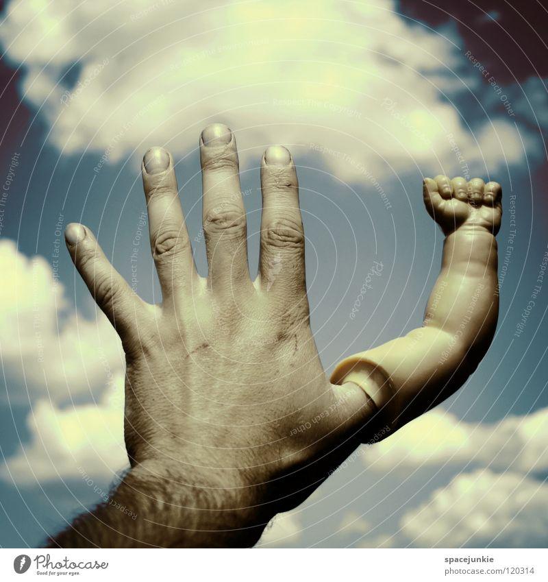 Touch the sky (2) Wolken Hand Finger berühren Faust skurril Himmel seltsam Freude Arme Puppenarm blau Verkehrswege