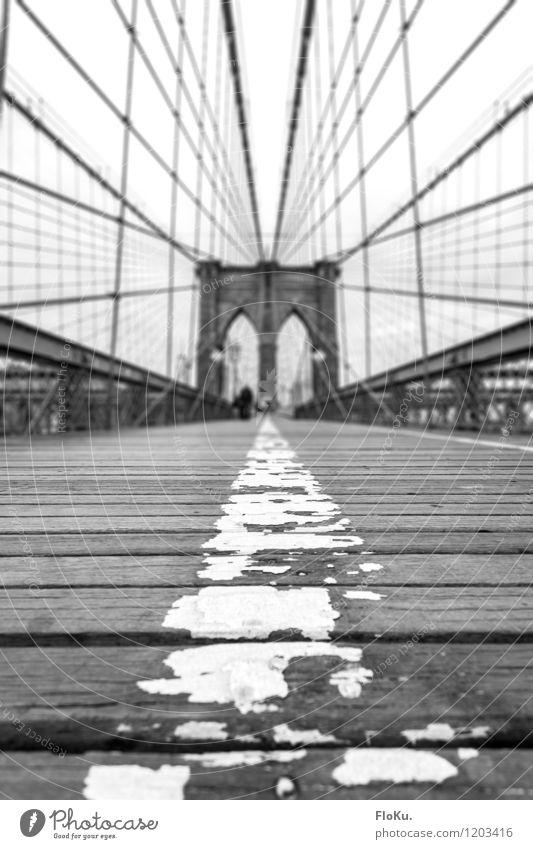 Brooklyn Bridge zu Fuß Ferien & Urlaub & Reisen Stadt Wege & Pfade Tourismus Verkehr Ausflug Brücke Bauwerk USA Holzbrett Wahrzeichen Verkehrswege Stahlkabel