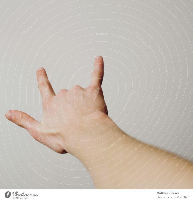 Bestellung im Sägewerk Hand Jugendliche Musik Arme Finger Telekommunikation Wut Schnur Dynamik Freak Ärger Daumen Demonstration Kriminalität Musiker