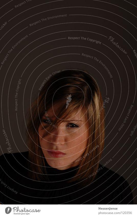 Person 8 Frau schön Einsamkeit schwarz Gesicht Gefühle Hintergrundbild Zeit Haare & Frisuren Deutschland warten Hoffnung Trauer Sehnsucht Wunsch Hut
