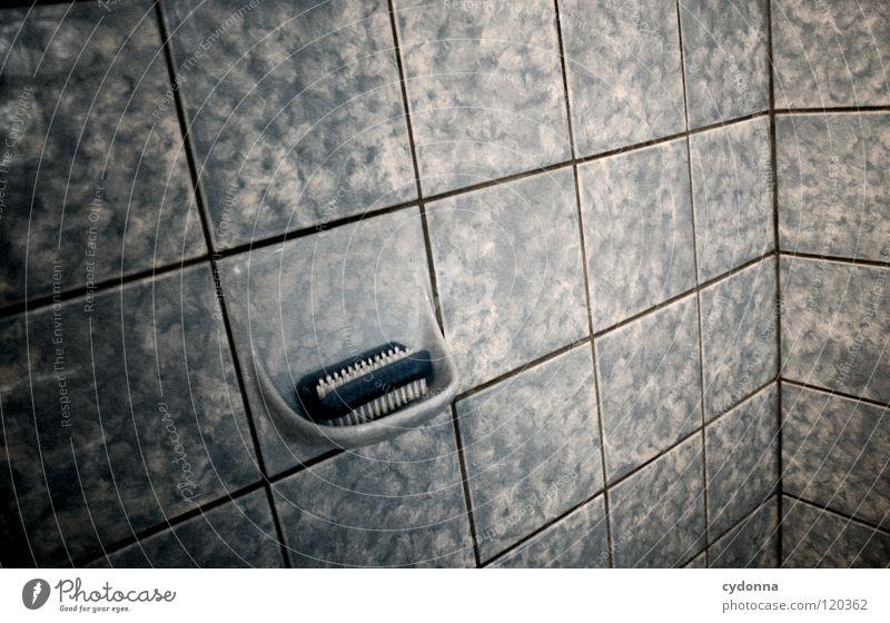 ZEITLOS? alt Wasser Tod dunkel kalt Stimmung Zeit Design leer Ecke retro Reinigen Sauberkeit Bad Dinge Fliesen u. Kacheln