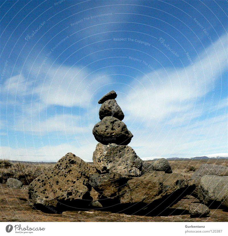Rocker Island Wolken Tuffstein Stein Mineralien Himmel Erde Sand Stapel Elfe naturgeister Wegweiser troll