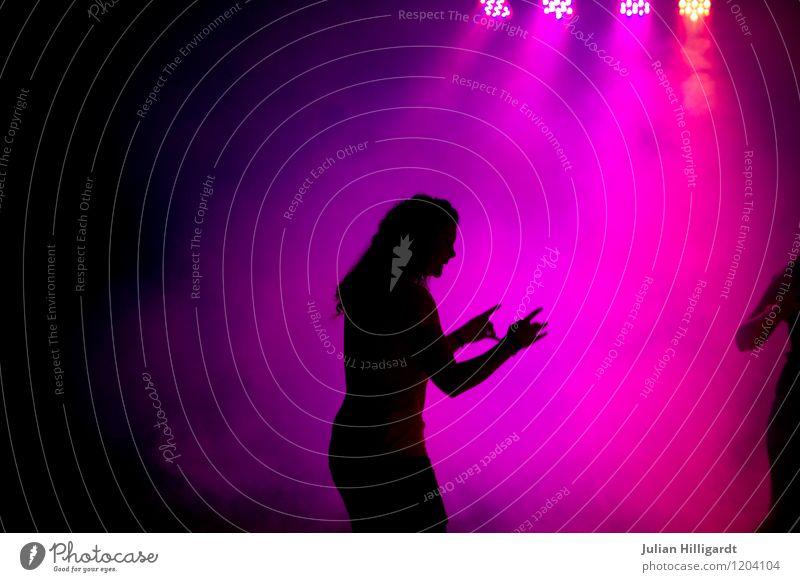 dancing in the LED light Lifestyle Freude Nachtleben Party Veranstaltung Feste & Feiern Tanzen feminin Junge Frau Jugendliche Leben 1 Mensch 18-30 Jahre