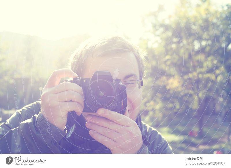 Snapshot. Mann Kunst Freundschaft ästhetisch Fotografie Brille Spaziergang schreiben Fotokamera Momentaufnahme Fotografieren Paparazzo Klacken Fotogeschäft