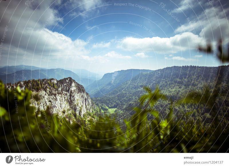 Creux du Van Umwelt Natur Landschaft Sommer Wetter Schönes Wetter Wald Hügel Berge u. Gebirge natürlich blau grün Schweiz wandern Tourismus Aussicht Farbfoto