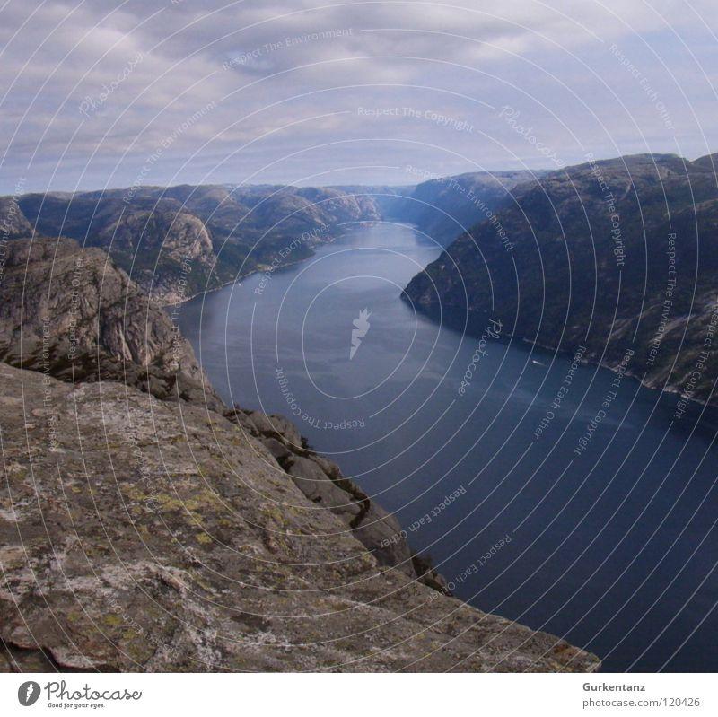 Lysefjord Norwegen Stavanger Skandinavien Horizont Strand Küste Berge u. Gebirge Fluss Bach Fjord praekestolen Wasser Landschaft hurtigruten Preikestolen