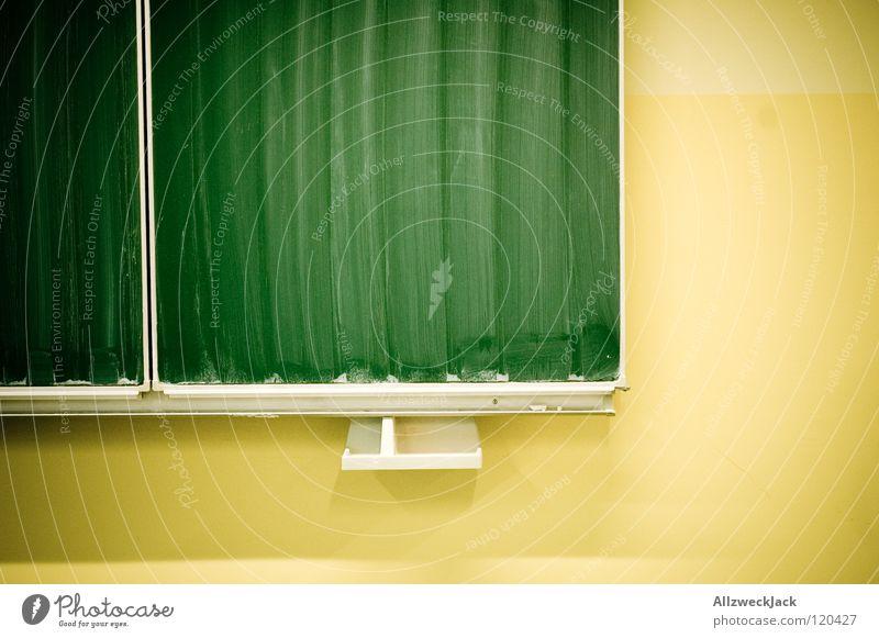 Tafeldienst grün Wand Schule leer Kommunizieren lesen Sauberkeit Reinigen Bildung Berufsausbildung Kreide Lehrer Schulklasse Schulunterricht