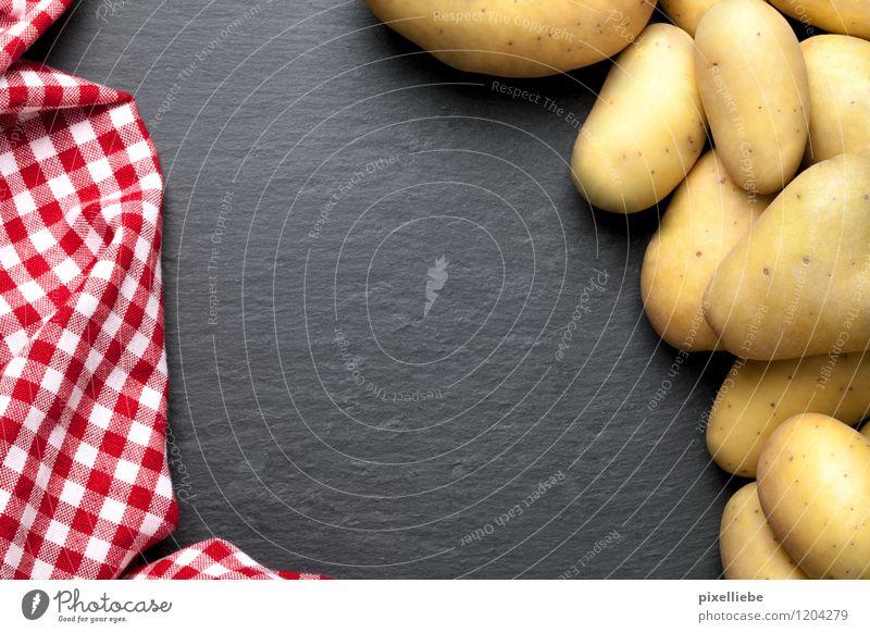 Kartoffeln mit karierter Tischdecke rot schwarz Essen Gesundheit Stein Lebensmittel Ernährung Kochen & Garen & Backen Küche Gemüse Gastronomie lecker Ernte