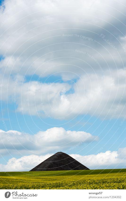 Land der Pyramiden III Himmel blau grün Sommer weiß Landschaft Wolken schwarz Umwelt gelb grau Horizont Feld Luft hoch Spitze