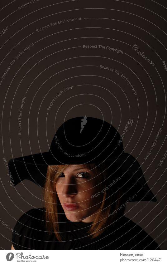 Person 9 Frau schön Gesicht schwarz Einsamkeit Gefühle Haare & Frisuren Religion & Glaube warten Deutschland Hintergrundbild Zeit Hoffnung Trauer Wunsch