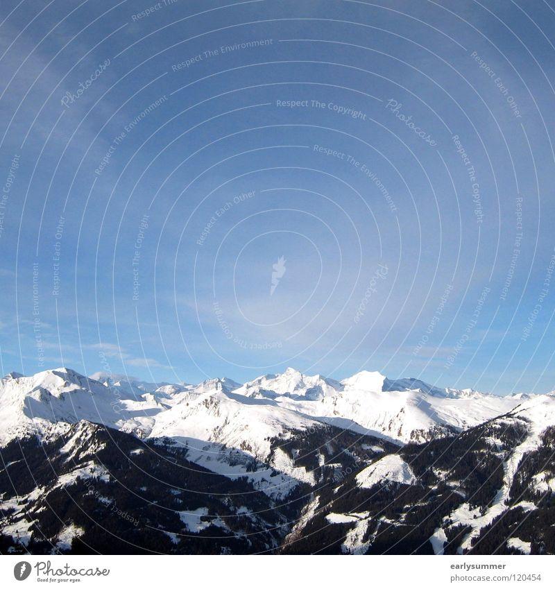 Schneefallgrenze? Winter Winterurlaub Skier weiß Gipfel Skigebiet Baum Wald Höhenmeter Österreich Berghang Tiefschnee perfekt Wolken Puderzucker