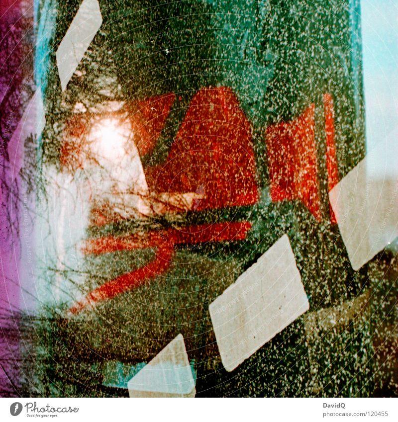 clashed Doppelbelichtung Wandmalereien Tagger Überwachungskamera beobachten Überwachungsstaat überwachen verfolgen Aussicht überladen zuviel Ecke Farbe obskur