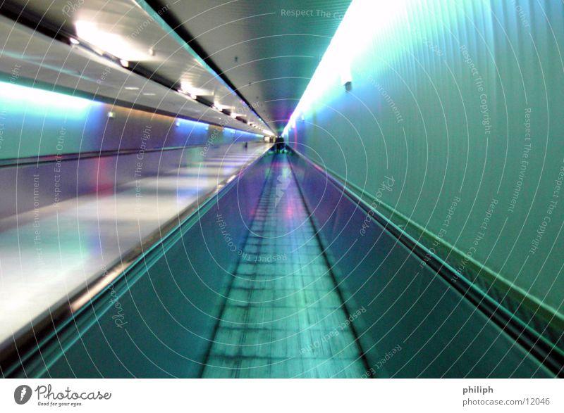 TunnelBand Unschärfe Roll Schnur Flughafen München Ferien & Urlaub & Reisen