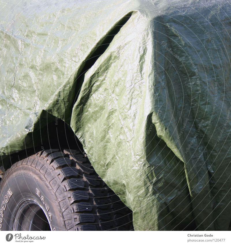 Sonntagsfahrer grün Winter PKW Freizeit & Hobby Frost Schutz Bauernhof Lastwagen parken Parkplatz Abdeckung verdeckt verpackt Motorsport