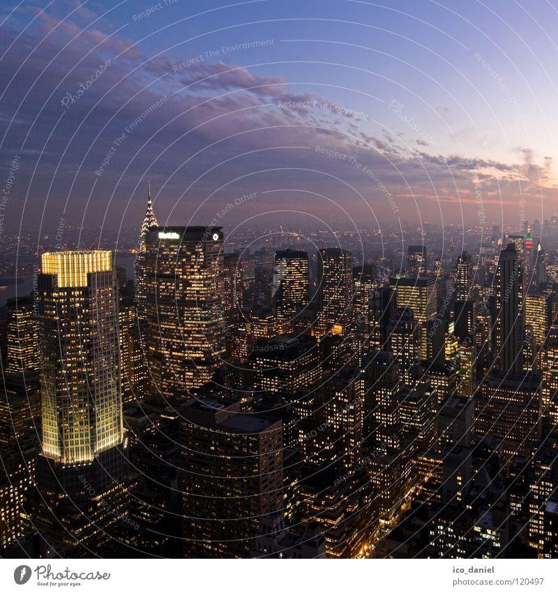 Midtown Manhattan I Himmel Stadt Wolken glänzend Hochhaus Energiewirtschaft Elektrizität USA Skyline Aussicht Amerika Stadtzentrum Begeisterung New York City Manhattan Sonnenuntergang