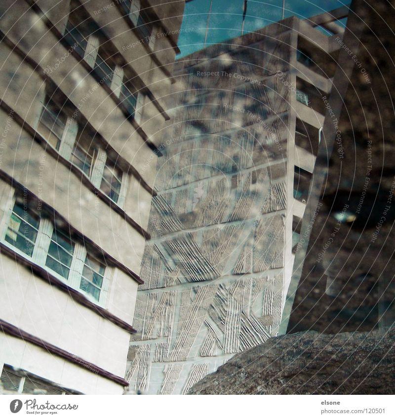 ::SONNTAGSBILD:: grau trist Stadt Beton Pfütze Reflexion & Spiegelung Pforzheim Brücke modern häuser.haus Wasser reflektion wirrwa elsone Neigung Architektur