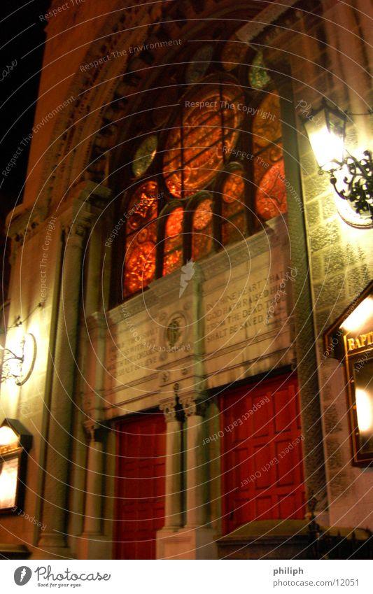 1st BaptistChurchBroadway NY Stimmung Religion & Glaube Architektur Fassade Kirche New York City Gotik Gotteshäuser Dracula Kirchenfenster