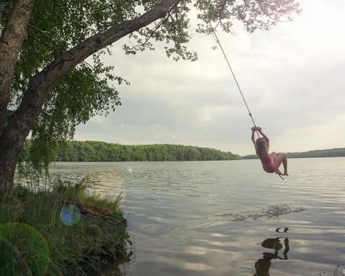 Wassserschaukel Freizeit & Hobby Spielen Ferien & Urlaub & Reisen Freiheit Sommer Sommerurlaub Mensch feminin Kind Mädchen 1 8-13 Jahre Kindheit Umwelt Natur