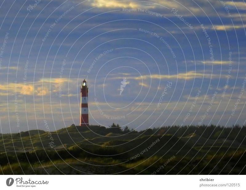 Zugeblinzelt Abend Nacht Erholung Ferien & Urlaub & Reisen Strand Insel Lampe Himmel Wolken Wind Sturm Küste Nordsee Turm Leuchtturm Wahrzeichen Denkmal