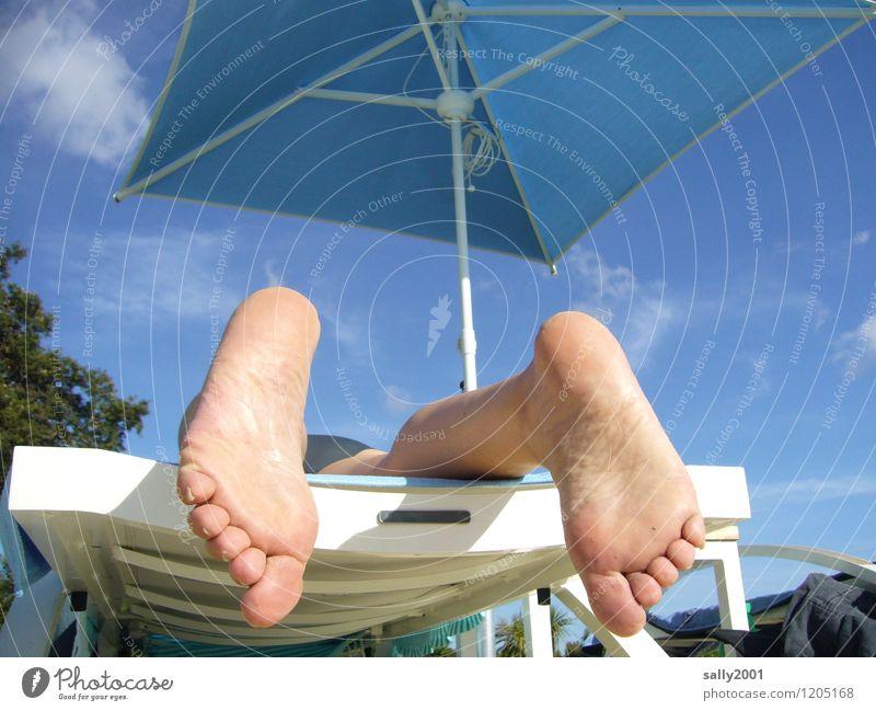 einfach abhängen... Wohlgefühl Zufriedenheit Erholung ruhig Ferien & Urlaub & Reisen Freiheit Sommer Sommerurlaub Sonne Sonnenbad Strand Fuß 1 Mensch genießen