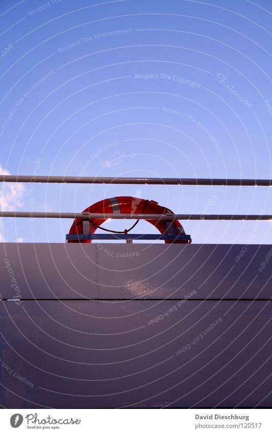 Sicherheitsvorkehrungen Wasser Himmel Meer blau Sommer Ferien & Urlaub & Reisen schwarz Wolken Fenster See Wasserfahrzeug Beleuchtung Glas Seil Brücke