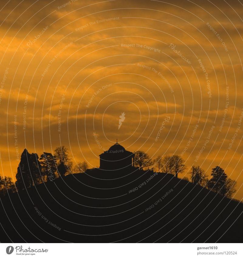Good Morning Cannstatt Baum Sonne schwarz Wolken kalt Berge u. Gebirge orange Kunst Hügel Denkmal Bauwerk historisch Wahrzeichen Stuttgart Düsseldorf Grab