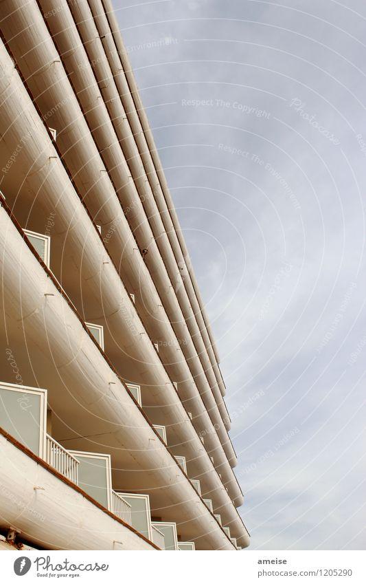 Ich sehe dich Lifestyle Design Ferien & Urlaub & Reisen Sommerurlaub Meer Insel Himmel Wolken Playa de Corralejo Fuerteventura Stadtrand Haus Hochhaus Fassade
