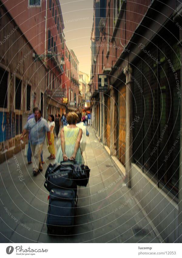 Eile Frau Mensch Mann Ferien & Urlaub & Reisen Haus Straße Wege & Pfade Italien Kultur Güterverkehr & Logistik Fußgänger Venedig