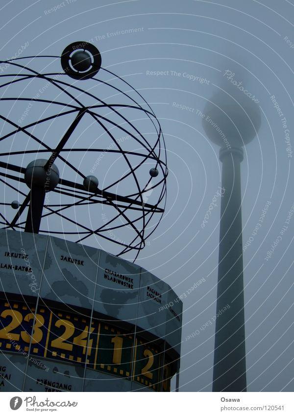 Fernsehturm und Weltzeituhr Winter Wolken Auge Lampe dunkel Berlin Traurigkeit Gebäude 2 Nebel Turm Mitte Denkmal Bauwerk Wahrzeichen