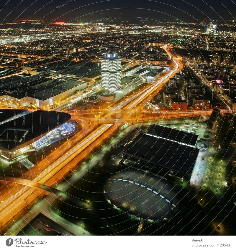 Münschen Himmel weiß Stadt schwarz gelb Straße Lampe Leben dunkel Nacht Entwicklung Vogelperspektive Rücken Verkehr Kreis