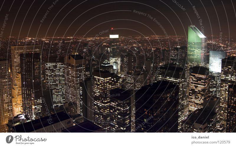 Midtown @ Nght grün Stadt schwarz Ferne orange glänzend Hochhaus Energiewirtschaft Elektrizität USA Skyline Aussicht Amerika Stadtzentrum Nachthimmel