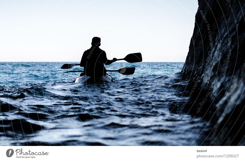 Ins Ungewisse... II Mensch Natur Ferien & Urlaub & Reisen Sommer Wasser Erholung Meer dunkel Bewegung Sport Freiheit Horizont Wasserfahrzeug Freizeit & Hobby Ausflug Fitness