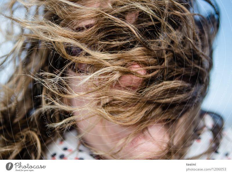 Go Wild II Mensch Frau Natur Junge Frau Gesicht Erwachsene feminin lachen Haare & Frisuren Kopf wild Wetter Wind verrückt Klima Sturm