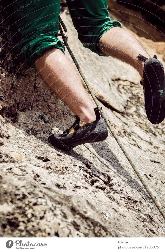 Master of Rock I Mensch Jugendliche Mann Junger Mann Erwachsene Sport Beine Stein Fuß maskulin Kraft Schuhe Energie Seil Risiko