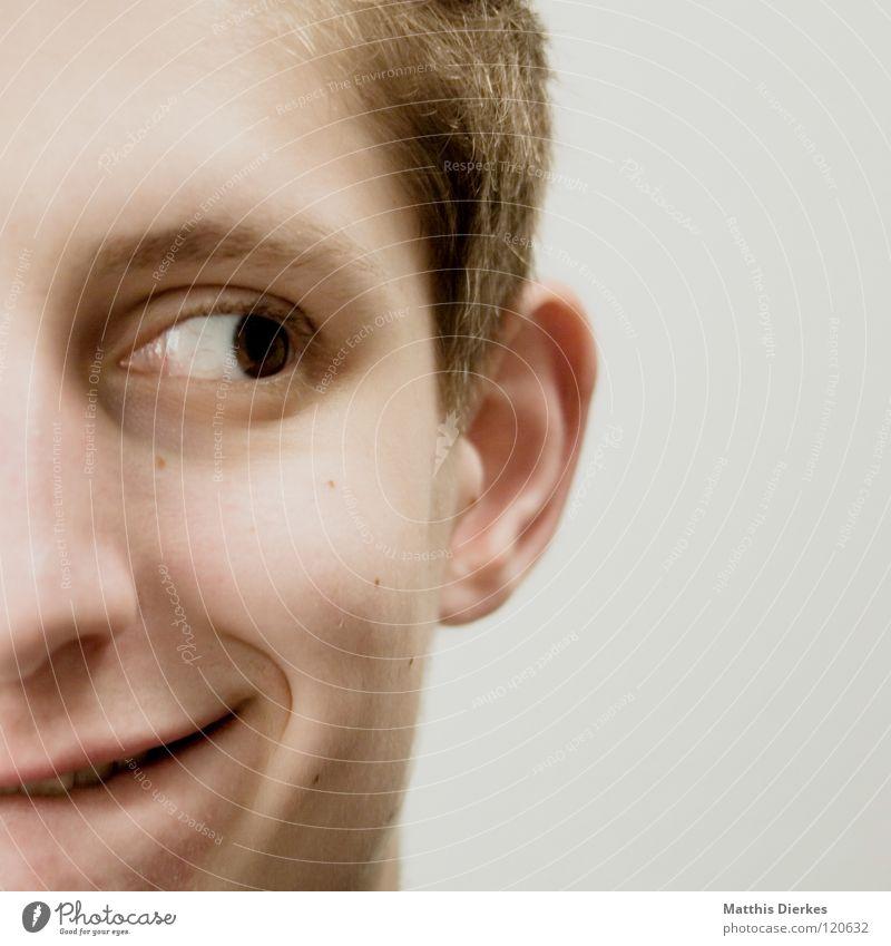 Schelm Mann Jugendliche Ärger Denken Beule Körperhaltung untergehen ernst humorlos Philosoph Konzentration verbissen Gefühle Wut planen Unsinn Gesicht Grimasse