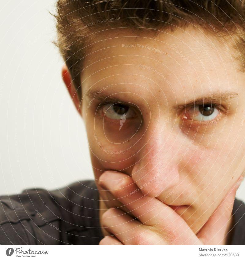 Denker II Mann Jugendliche Ärger Denken Beule Körperhaltung untergehen ernst humorlos Philosoph Konzentration verbissen Gefühle Wut planen Erfolg Mensch Nase