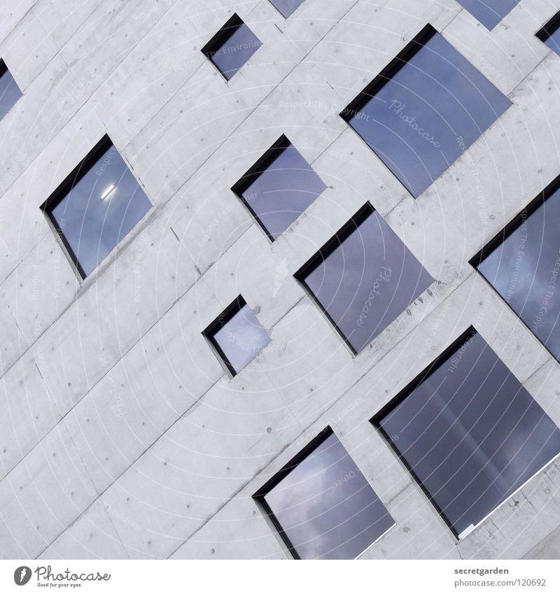 quadratisch, praktisch, gut. Himmel blau schön Haus kalt Fenster Architektur Stil Gebäude Raum Glas Wohnung Beton Design modern