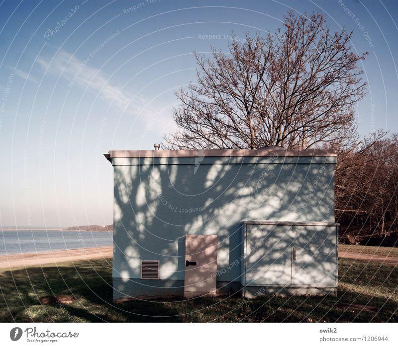 Schattenseite Umwelt Natur Landschaft Pflanze Wasser Himmel Wolken Horizont Klima Schönes Wetter Baum Küste Seeufer Haus Gebäude Transformator eckig einfach
