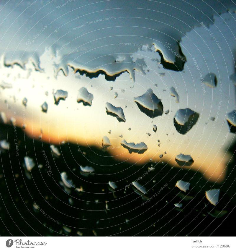 sylvan ovalis Regen Sonnenuntergang Sonnenaufgang Dämmerung Morgen Reflexion & Spiegelung Chrom Prisma rot nass schwarz Autowäsche Himmel Wolken grau Trauer