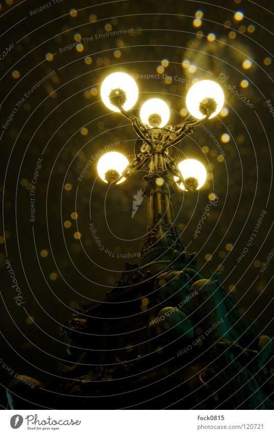 Lombardsbrücke im Regen Straßenbeleuchtung Licht Leuchter Nacht kalt Langzeitbelichtung Himmelskörper & Weltall Reflexion & Spiegelung