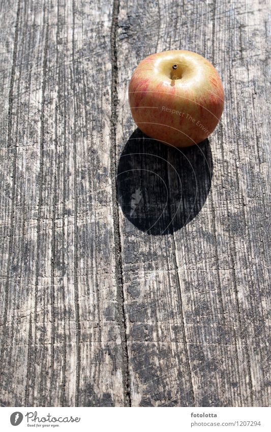 Apfel grün rot natürlich braun Frucht Apfel Picknick Holztisch Maserung