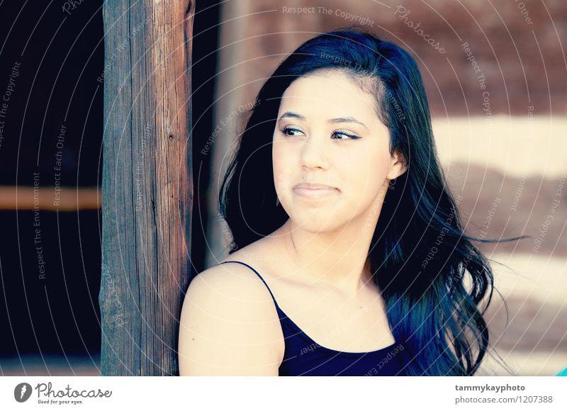 mensch jugend jugendliche schön attraktiv Freude Haare & Frisuren feminin Junge Frau Jugendliche 1 Mensch 13-18 Jahre Kind schwarzhaarig ruhig Farbfoto