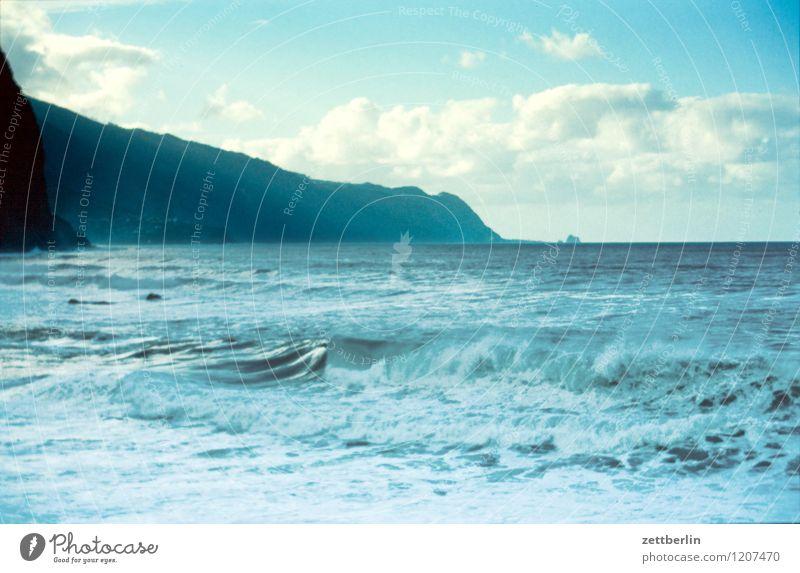 Madeira (1) Portugal Meer Atlantik Küste Wellen Wind Sturm Himmel Wolken Landschaft Ferien & Urlaub & Reisen Reisefotografie Tourismus Horizont Ferne Nebel