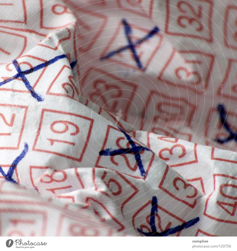 So ein Mist! Glück Erfolg Hoffnung Zukunft Ziffern & Zahlen Wunsch Wut Mut Falte Desaster verloren Lotterielose Zufall knittern Glücksspiel