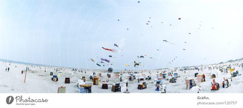 Drachenflug Strand See Meer Borkum Nordstrand Kur Strandkorb Tourist Ferien & Urlaub & Reisen Luft Luftkurort Wellen Sommer Horizont Panorama (Aussicht)